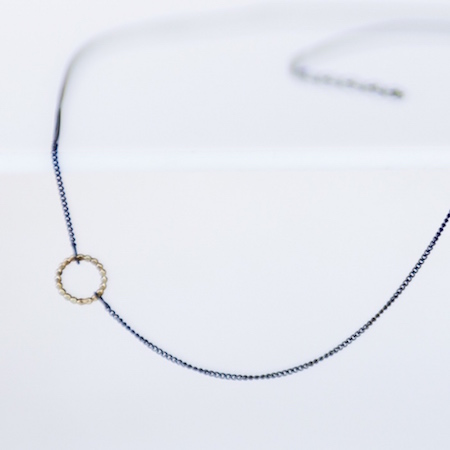 Jewel: necklace with golden eye